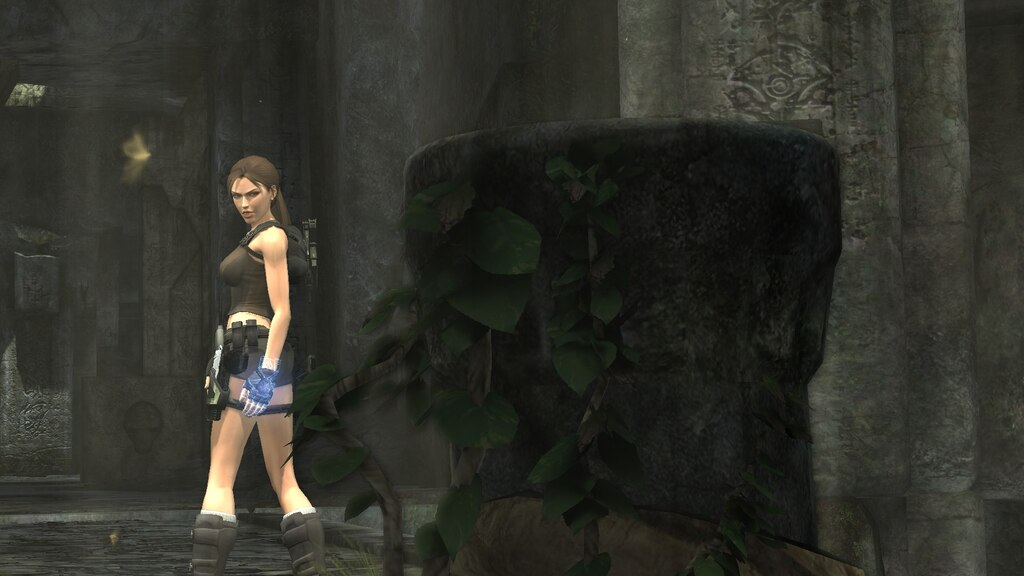 Lara Croft (TRU) and Items   garrysmods.org