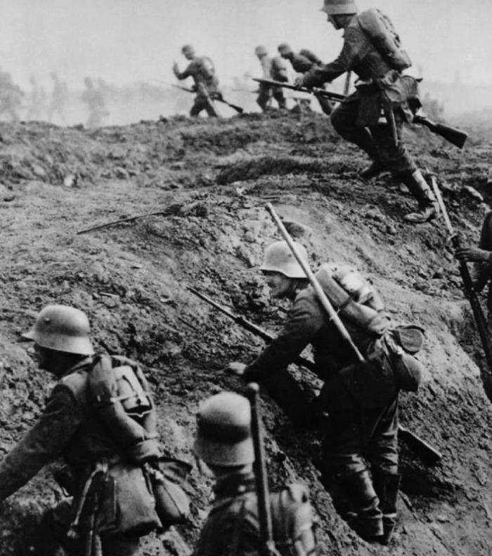 Steam Community Verdun 1916 German Soldiers Rushing From