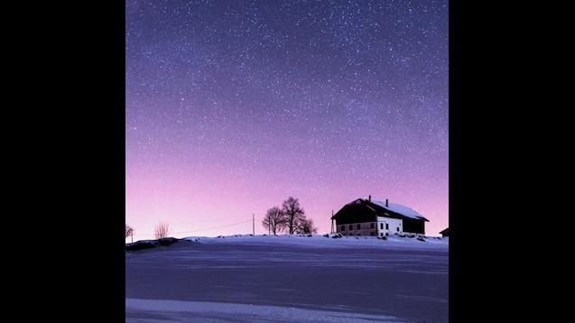 Steam Workshop::星空 夜色下的瑞士汝拉山5120x1440双屏风景壁纸5K