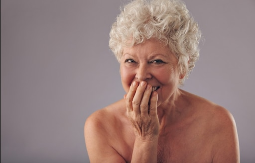 несет ответственности видео старые женщины откровенной