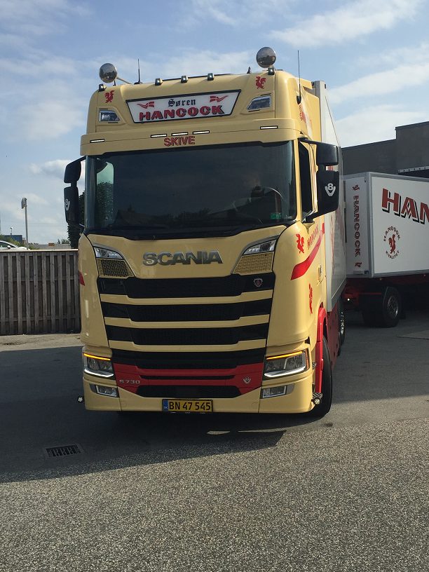 Steam Community :: :: My lucky day! A ride with a Scania